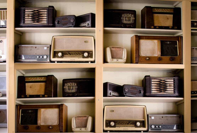 A Reinvenção Do Rádio
